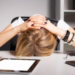 Asocian las migrañas a deficiencias de vitaminas